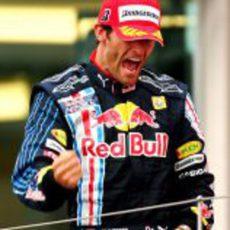 Webber celebra su victoria con rabia