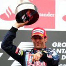 Webber con su trofeo de campeón