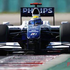 Rosberg apura toda la pista