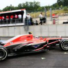 Max Chilton sale de boxes en Spa