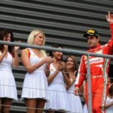 Fernando Alonso sube al podio en Spa