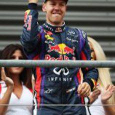 Gesto de rabia de Sebastian Vettel