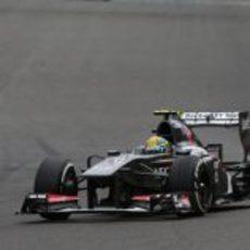 Esteban Gutiérrez rueda con los medios por el trazado de Spa
