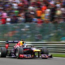 Sebastian Vettel lideró con comodidad en Bélgica