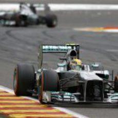 Nico Rosberg afronta una recta en Spa