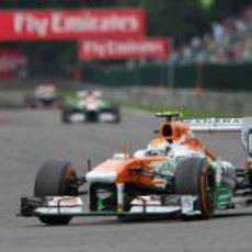 Adrian Sutil llega a Les Combes durante la carrera
