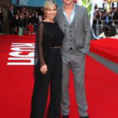 Elsa Pataky y Chris Hemsworth en la alfombra roja