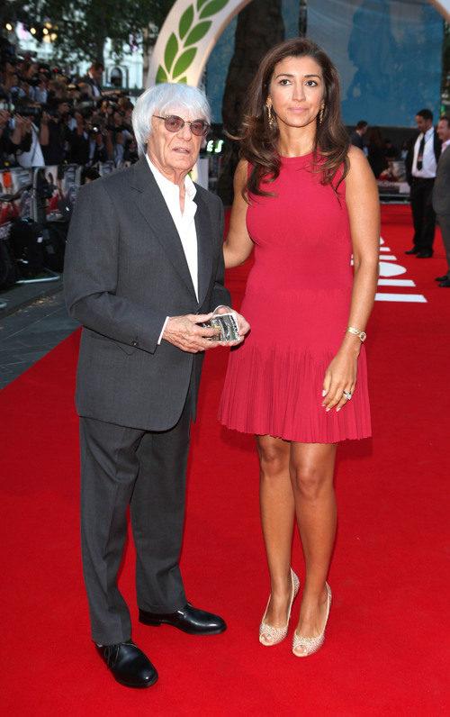 Bernie Ecclestone y Fabiana Flosi en el estreno