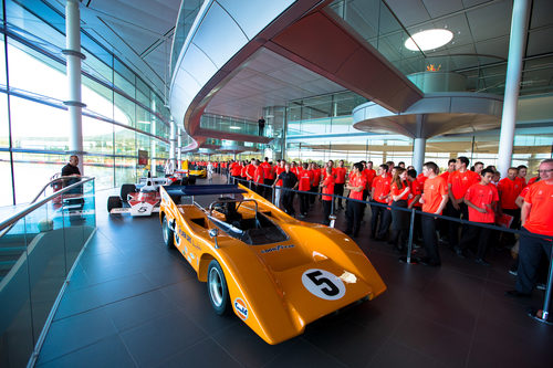 Reunión de grandes vehículos en McLaren