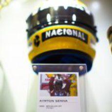 Recuerdo a Ayton Senna en Woking