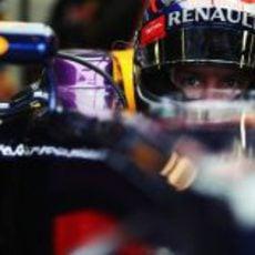 Sebastian Vettel, atento
