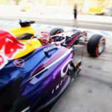Sebastian Vettel sale al asfalto con el compuesto duro