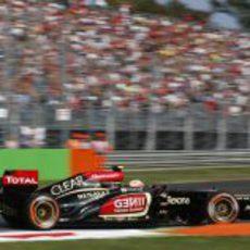 Romain Grosjean rueda con el compuesto duro