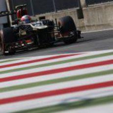 Romain Grosjean sale del 'pit-lane'