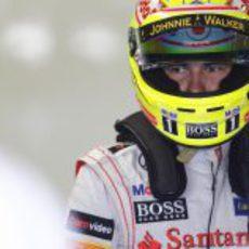 Sergio Pérez sigue concentrado fuera de su MP4-28