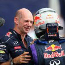 Adrian Newey, contento con Sebastian Vettel