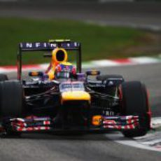 Mark Webber conduce hasta la tercera plaza