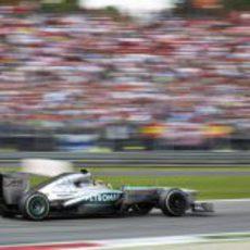 Lewis Hamilton vuela a los mandos del W04