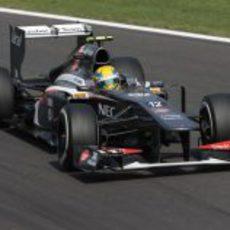 Esteban Gutiérrez llega a una curva