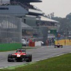 Jules Bianchi rueda con los duros