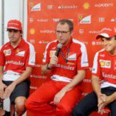 Fernando Alonso, Felipe Massa y Stefano Domenicali en Singapur