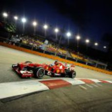 Fernando Alonso, lejos del ritmo de Red Bull