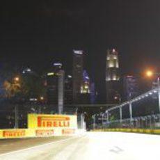 La noche cae en Marina Bay