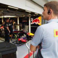 Pirelli observa la actividad en Red Bull