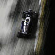 Valtteri Bottas a toda velocidad con los neumáticos superblandos