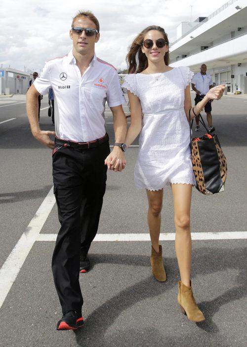 Jenson Button y Jessica Michibata, la pareja del paddock