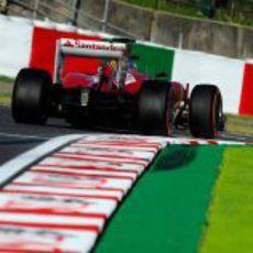 Fernando Alonso disputa la clasificación en Japón