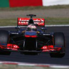 Jenson Button clasificó décimo en Suzuka