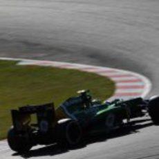 Charles Pic pone a prueba los neumáticos medios