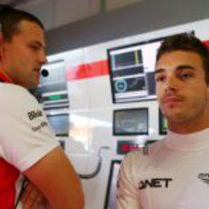 Jules Bianchi se queda pensativo tras la clasificación
