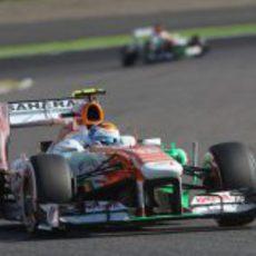 Adrian Sutil pilota el VJM06 en Suzuka