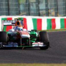 Adrian Sutil perderá cinco posiciones en parrilla