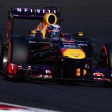 Sebastian Vettel tuvo que pelear con su RB9 sin KERS