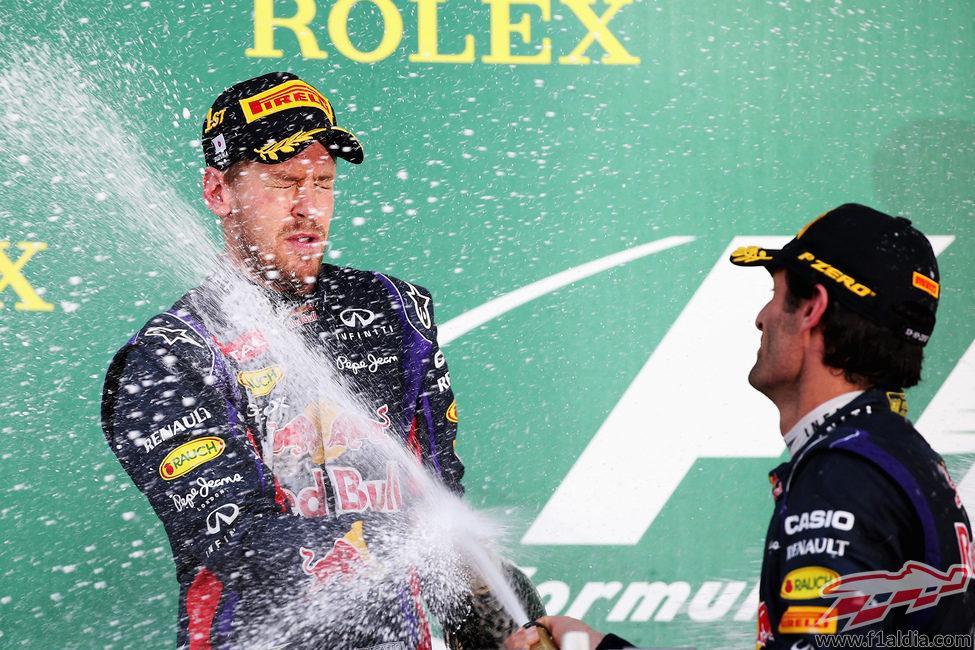 Champán para Sebastian Vettel y Mark Webber