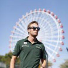 Giedo van der Garde pasea por el trazado de Suzuka