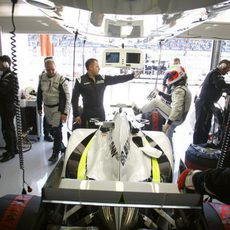 Barrichello entra en su Brawn