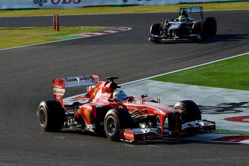 Fernando Alonso rueda con el duro