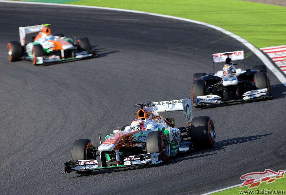 Paul di Resta por delante de Pastor Maldonado y Adrian Sutil
