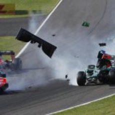 Alerón del coche de Giedo van der Garde por el aire