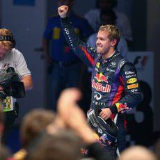Alegría en el rostro de Sebastian Vettel