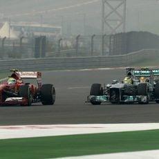 Felipe Massa trata de mantener posición