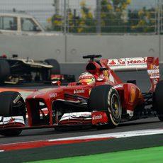 Fernando Alonso rueda durante el GP de India 2013