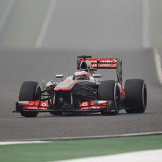 Jenson Button tuvo que abandonar al final en la India