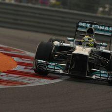 Nico Rosberg afronta una curva en Buddh