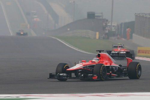 Jules Bianchi llega al final de la recta de atrás