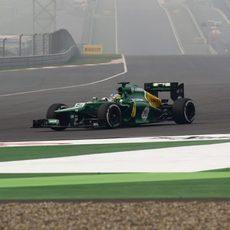 Charles Pic no terminó el GP de India 2013